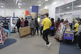 deals draw shoppers on thanksgiving black friday the wilson times