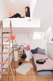 hochbetten für jugendzimmer home alone small space hacks for creating privacy at home