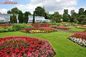 immagini di giardini fioriti giardini fioriti nel parco pittencrieff a dunfermline foto