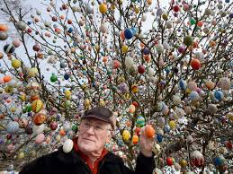 easter egg tree decorates tree with 10 000 easter eggs in germany wptv