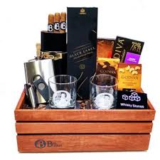 whiskey gift basket the executive corporate gift basket scotch and cigars gift