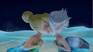tinker bell periwinkle lesbianas tiernas besandose yuri beso