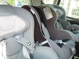 voiture 3 sièges bébé siege auto a l arriere au milieu voiture auto garage