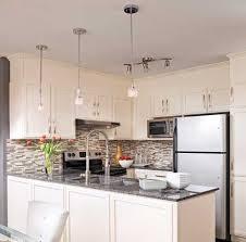 peinturer armoire de cuisine en bois 10 options pour rever vos armoires trucs et conseils
