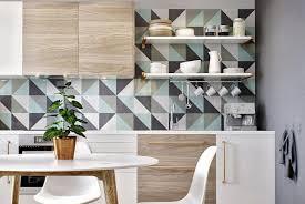 peindre des armoires de cuisine en bois rénovation cuisine 7 façons de redonner du style à vos vieilles