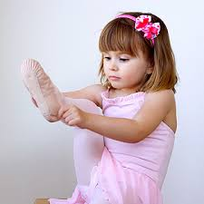 Helping Tap Dancing Toddlers   gamitio com