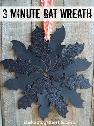 3 minute halloween bat wreath halloween pinterest bats