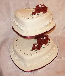 heart wedding cake heart shaped wedding cake by franbann on deviantart