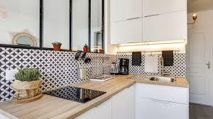 cuisine petit espace design cuisine fonctionnelle aménagement conseils plans et