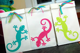 halloween loot bag ideas a beach birthday party for a little with a girly gecko theme