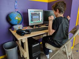 Computer Desks For Dual Monitors I Wish I Had A Custom Desk Dual Monitor Gaming Setup As A Kid Imgur