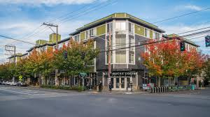 1 Bedroom Apartments Seattle by Rianna Apartments In Capitol Hill 810 12th Avenue
