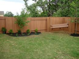 Affordable Backyard Patio Ideas by Some Helpful Cheap Backyard Fence Ideas Using The Recycle Material