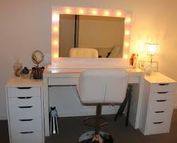 Vanity Set With Lights For Bedroom Lighted Mirror 2018 Fascinating