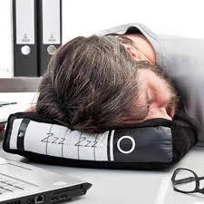 coussin de bureau le coussin classeur classeurs objet insolite et pour dormir
