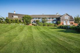 Hillary Clintons House Hillary And Bill Clinton U0027s Former Hamptons Rental Has Sold For 29