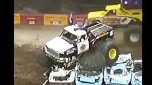 monster truck crash videos youtube best crash or fails of monster truck mejores accidentes o fallos