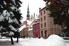christmas tree tradition began in riga latvia and was not martin