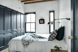 chambre avec placard placard mural chambre a coucher maison design chambre avec placard