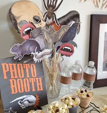 Halloween Photo Booth Props The 25 Best Halloween Photo Booths Ideas On Pinterest Halloween