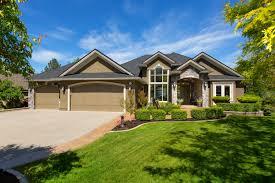 Kelowna Luxury Homes by 5386 Tanager Court Kelowna Rebecca April Kelowna Realtor