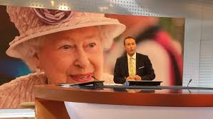 what does the queen carry in her handbag youtube