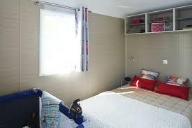 lit bébé chambre parents location mobil home nirvana 2 ch 5 pers bébé 31m bretagne
