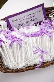inexpensive wedding favor ideas best 25 diy wedding favors ideas on wedding favours