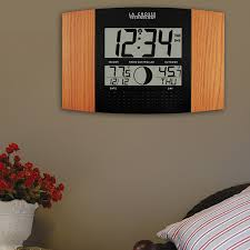 amazon com la crosse technology ws 8117u it c digital wall clock