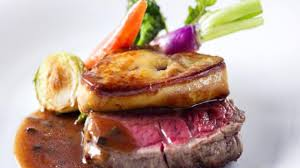 cuisiner du foie gras recette foie gras poêlé aux poires noël cuisine vins