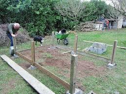 construction d une serre de jardin en bois reportage construction d u0027un potager surélevé en charente