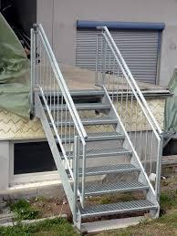 treppen aus metall treppen aus metall beispiele für metalltreppen für außen und innen