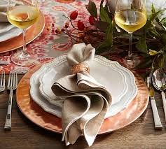 how to create a stylish thanksgiving table to wow your guests