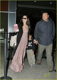 Angelina Jolie Mansion by Angelina Jolie Is A Yummy Mummy Photo 976241 Angelina Jolie
