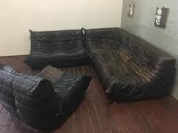 canapé cuir ligne roset set de canapés togo en cuir noir gris par michel ducaroy pour ligne