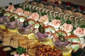 buffet mariage entre un buffet et un repas à l assiette pour mariage