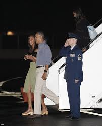 obama and first lady michelle kick off annual christmas vacation