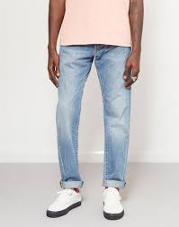 What To Wear With Light Jeans 9 Classic Shirt And Jeans Combinations For Every Wardrobe The