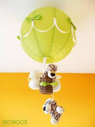 suspension luminaire chambre bébé le montgolfière tigre vert et beige enfant bébé luminaire