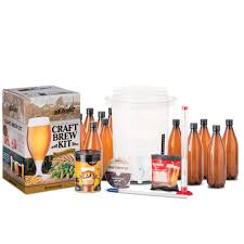 coopers diy craft beer brew kit makes 8 5 liters source kit includes everything to get started right out the box bewitched amber ale