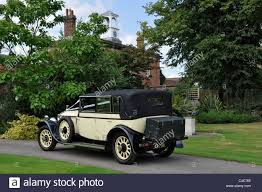 roll royce wedding an attractive black and cream vintage rolls royce wedding car