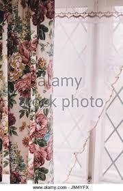 curtains window retro stock photos u0026 curtains window retro stock