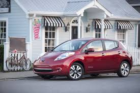 nissan leaf battery cost nissan leaf 5 500 battery replacement loses money company admits