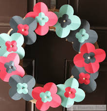 26 beautiful and inspiring spring wreaths the weekly round up