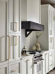 kitchen cabinet hardware ideas 2020 hardware trends 2020 give your kitchen a new look