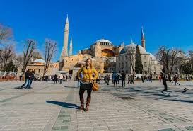 is it safe to travel to istanbul images 10 tips for staying safe as a solo female traveler jpg