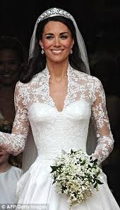 kate middleton wedding dress nicky s wedding dress mimics kate middleton and grace