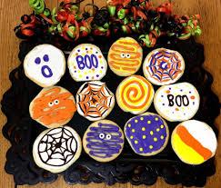 decorating halloween sugar cookies the homespun chics