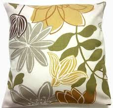 Accent Sofa Pillows by Best 25 Brown Couch Pillows Ideas On Pinterest Brown Decor