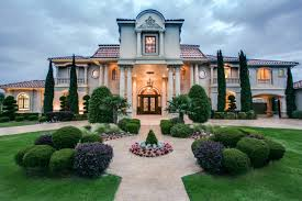 Mediterranean Style Mansions Making An Entrance 2016 Hgtv